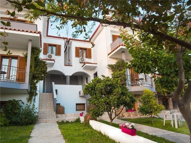 8 bedroom house in Nikiti